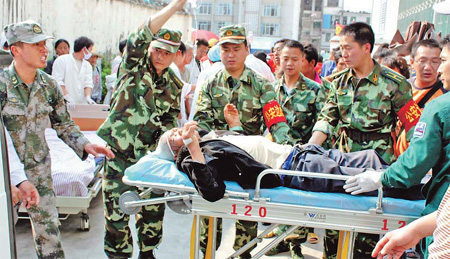 Earthquake kills at least 25 in SW China