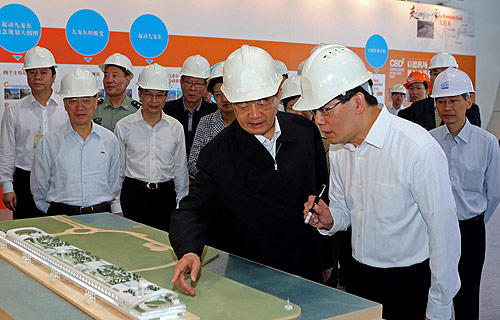 Hu visits Kai Tak Development project site