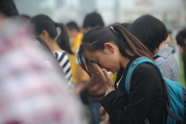 Public mourning held for quake victims