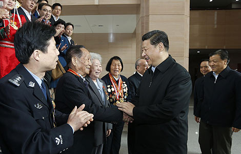 Xi Jinping meets model workers