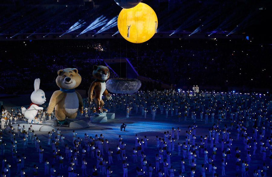 Sochi closes Olympics, clearing shadows of doubt
