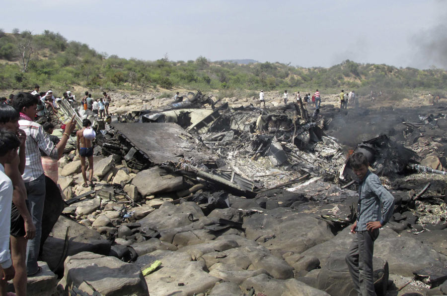 Indian air force cargo plane crashes, killing 5