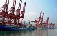 China's exports up 7% in May