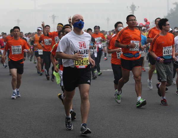 Runners resort to face masks