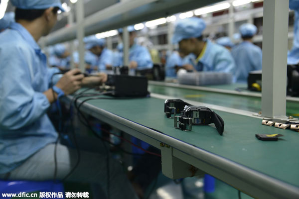 A look into Shenzhen smart watch assembly line