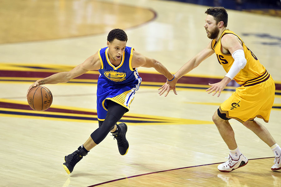 Warriors top Cavaliers to square up NBA Finals