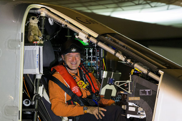 Solar-powered plane breaks solo flight record across Pacific to Hawaii