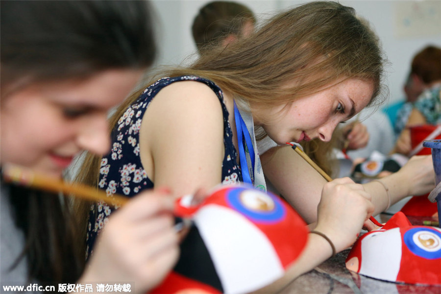 UK students experience Chinese culture in Tianjin[4]| Photos