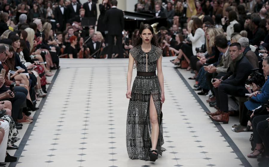 LFW: Burberry Prorsum Spring/Summer 2016 collection