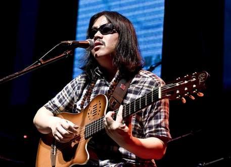 zhouyongkang_zhou yunpeng gives   performance in shanghai. china photo press