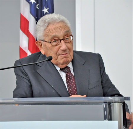 Kissinger urges more efforts on partnership