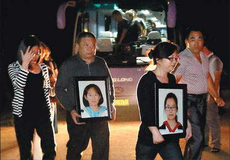 Asiana Flight 214 aftermath: ceremonies, tears and lawsuits