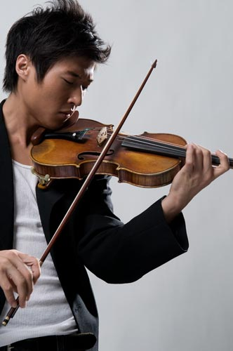 Charles Yang integrates the violin into modern music