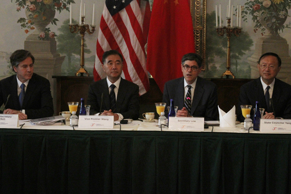 Chinese, US leaders meet with CEOs
