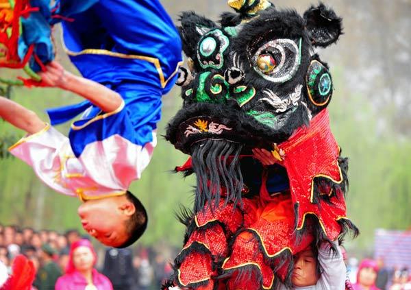 Lion Dancing Dances With Lions