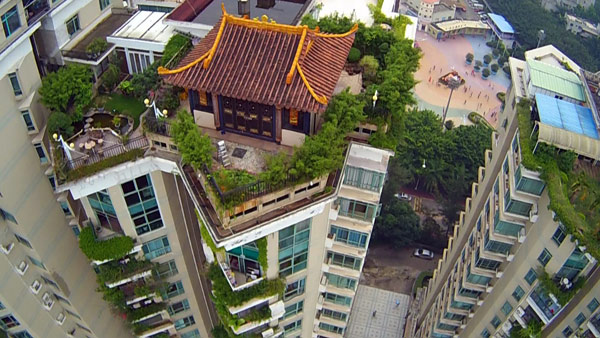 Netizens Said The Temple Shaped Villa On Top Of A 19 Story Apartment Building In Shenzhen Is Most Impressive Illegally Constructed Rooftop To