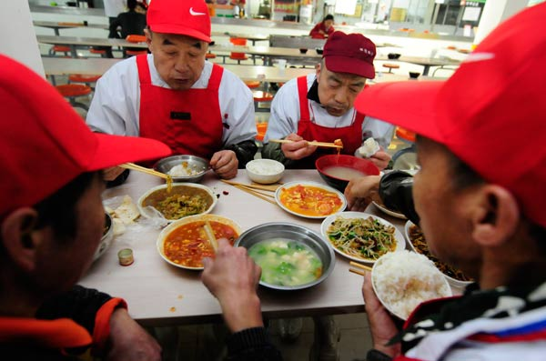 Cleaners cut waste by eating leftovers|Society|chinadaily ...