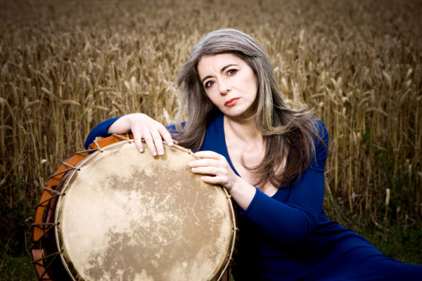 hearing essay by evelyn glennie There's an overlooked mental aspect to hearing, according to an essay by  glennie's husband posted on her website, wwwevelyncouk.