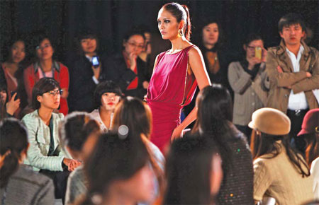 Chinese Fashion Designers In The Us US designers like Chinese