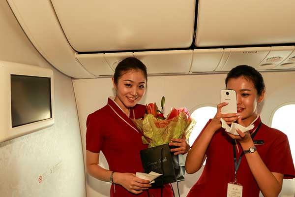 China southern flies to london with new 787 4 chinadaily - China southern airlines london office ...