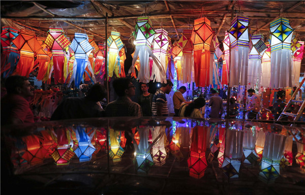 India Decks Up For Hindu Festival Of Lights 1 Chinadaily