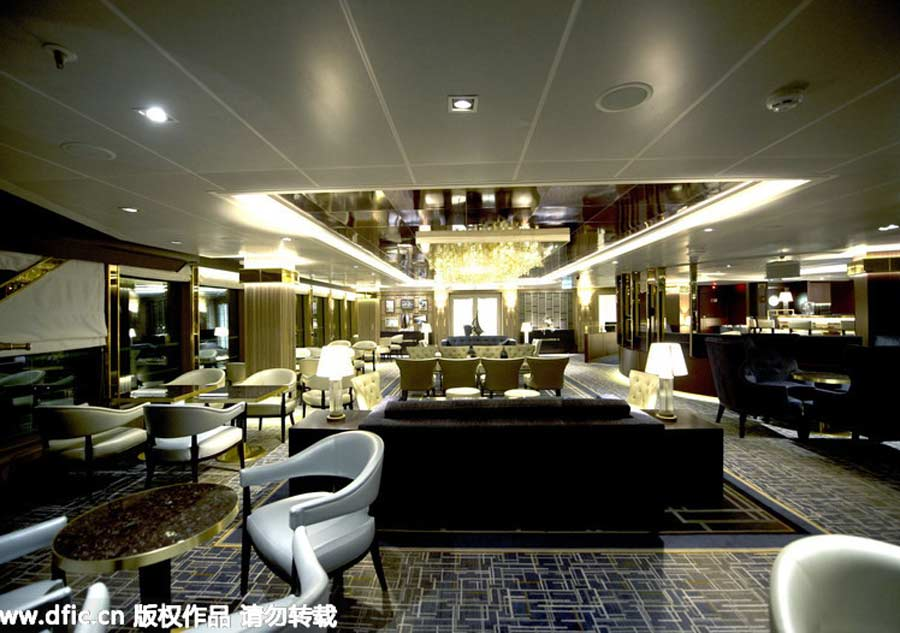 Queen elizabeth ii names new cruise ship 39 britannia 39 8 europe for Queen elizabeth 2 ship interior